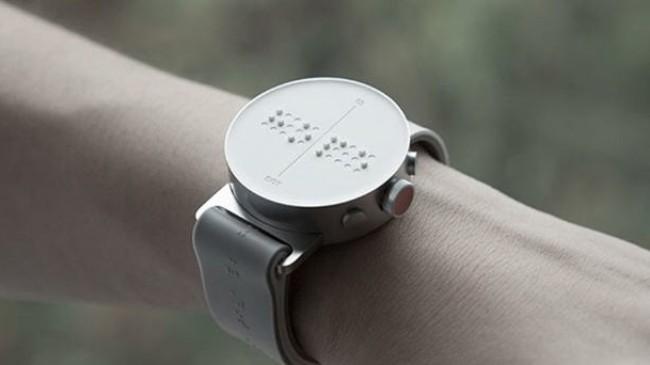 Görme Engelliler İçin Akıllı Saat Geliştirildi!